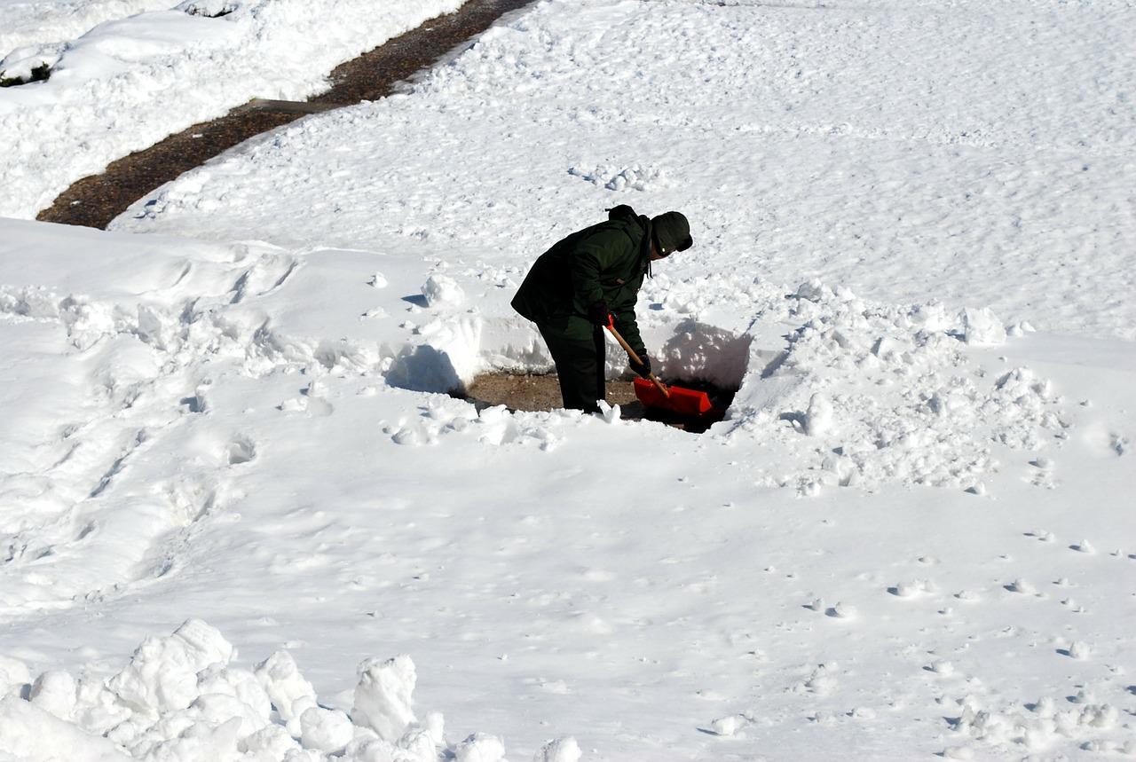 7 советов по безопасной и эффективной чистке снега.